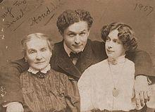 hudini sa majkom i suprugom Bes